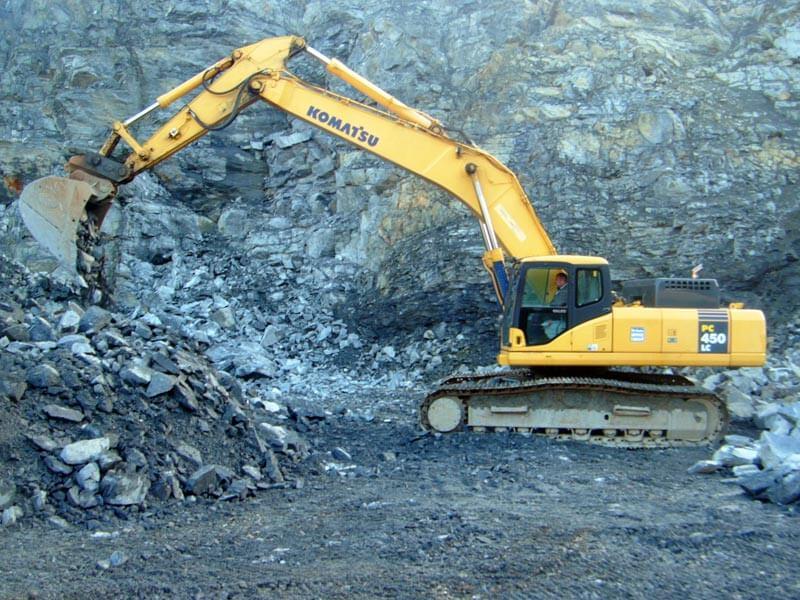 quarrying-plant-hire-excavator